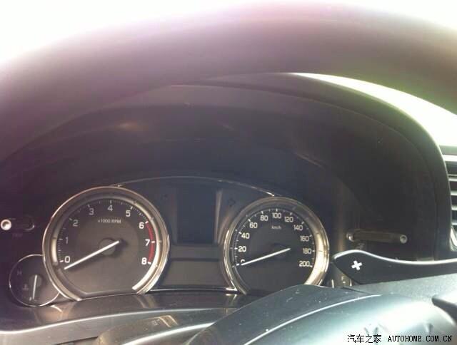 Suzuki-Alivio-instrument-cluster-spied-in-China-on-a-truck1.jpg